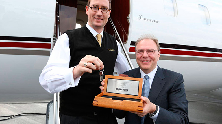 Джордан Ханселл (NetJets) и Стив Ридольфи, (Bombardier)