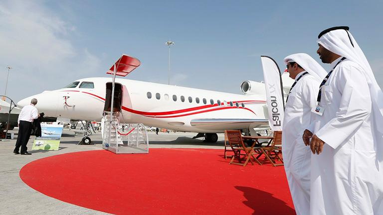 Falcon 7X во время Dubai Airshow 18 ноября 2013года