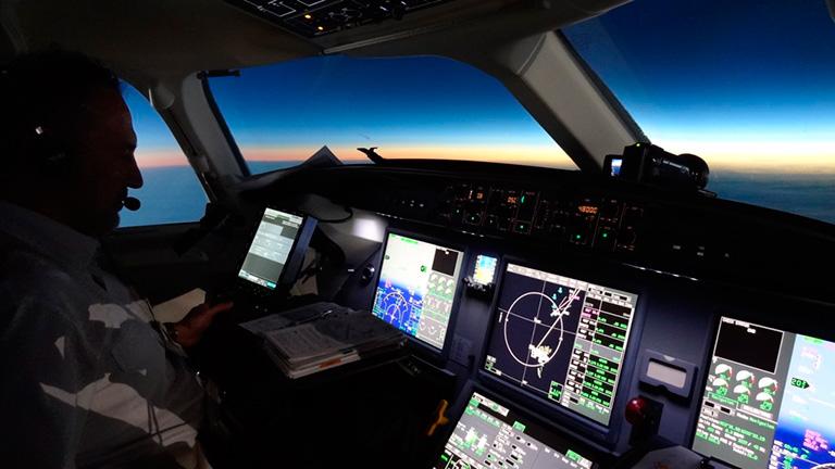 Кабина пилота Dassault Falcon 7X