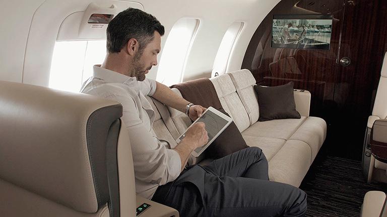 Пассажир на борту Challenger 650