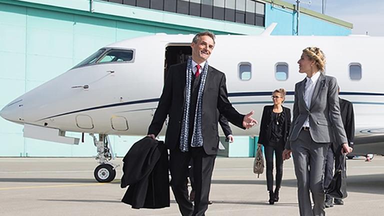 Пассажиры после перелёта на CHL850