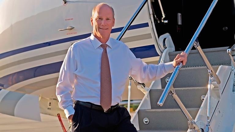 Президент Gulfstream, Ларри Флинн