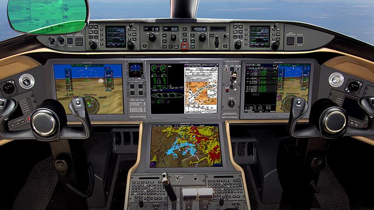 Приборная панель пилотов Bombardier Global 5000