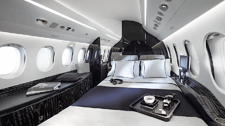 Интерьер спальни Falcon 8X