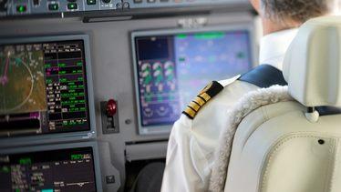 Пассажиры на борту Dassault Falcon 8X