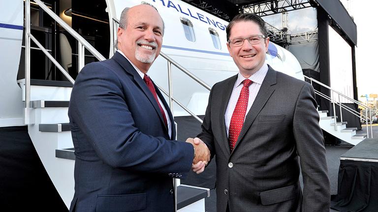 Чак Сума (NetJets) и Эрик Мартель (Bombardier)
