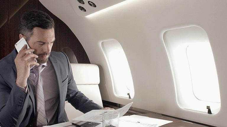 Пассажиры на борту Bombardier Challenger 650